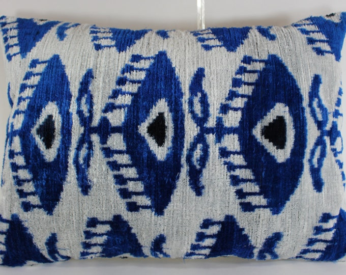 Silk Velvet Ikat Pillow Cover Lp318, Bohemian pillow, Velvet Ikat Pillow, Velvet Pillow