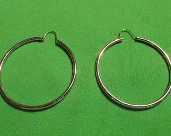 B199)  Vintage Silver Hoops pierced earrings