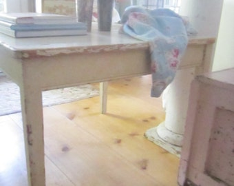 Shabby  table white farmhouse coffee table  chic Farmhouse prarie