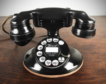 Stunning Vintage 1930s Western Electric 202 Deco Telephone, Refurbished and Working