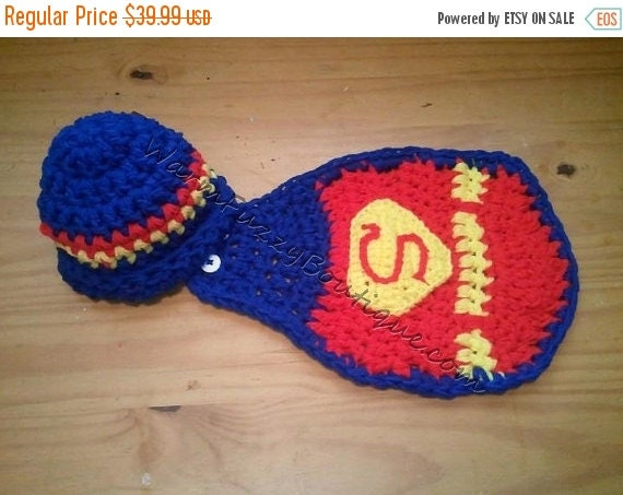 SALE Superman Hat & Cape - Crochet Baby Newborn Nb Beanie Cap 0-3 months Costume Halloween  Winter Outfit