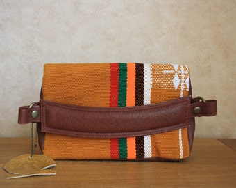 SUANTAK Clutch Bag