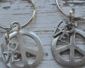 set of two peace and love keychain, Robert Indiana Inpsired key chain, peace sign keychain, silver or oxidized silver peace keychain
