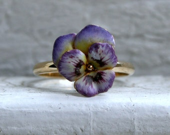 RESERVED - Sweet Vintage 14K Yellow Gold Enamel Pansy Ring.