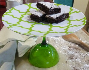 Green Cake Stand