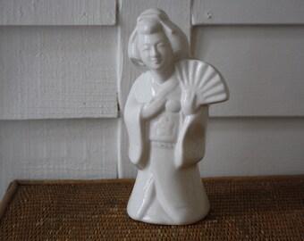 SALE Vintage white Japanese figurine, vase, Chinoiserie, chipped, kimono, Geisha statue
