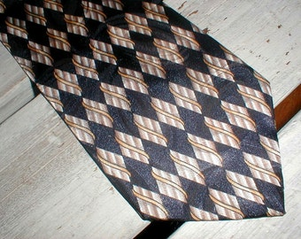 Vintage Wembley Necktie *Geometric Diamond Pattern*