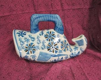 Decorative oriental ceramic floral blue fish sweet potato vine Planter used good condition