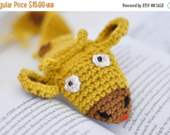 CHRISTMAS SALE GIRAFFE crochet bookmark, Wool Crochet Autumn Fall Winter Cold Days, Cozy, Ginger Red by Warm Yourself,