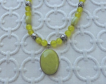 20 Inch Olive Green Korean Jade Pendant Necklace with Earrings
