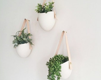 Set of 3 porcelain + leather hanging planters