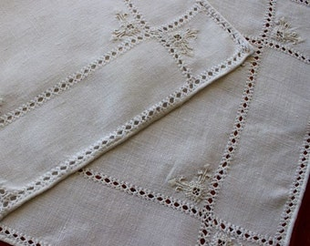 Vintage Linen Placemats 2 Place Mats Table Hand Embroidery Cutwork Drawnwork Natural Italian