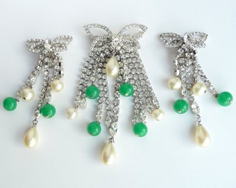 Hattie Carnegie Rhinestone Brooch Pin Earrings Demi Parure Set Green Peking Glass Beads & Faux Pearl Dangles Vintage