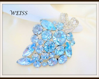 Blue Rhinestone  Brooch - Weiss Signed - Baby Blue Prong Set - 60's Pin