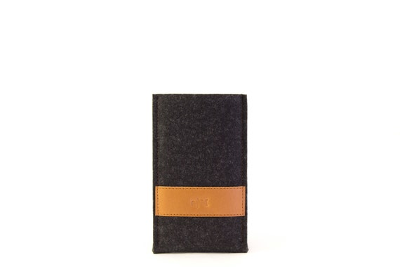 Felt IPHONE CASE with leather band, iPhone 6, iPhone 5, wool felt, iPhone cover, sleeve, vegetable tanned leather, handmade, made in Italy