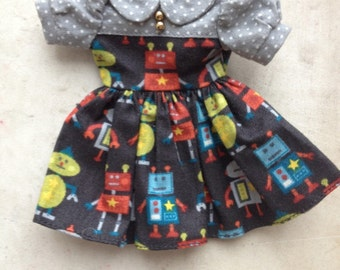 Garage Sale: Blythe PlasticFashion Dress