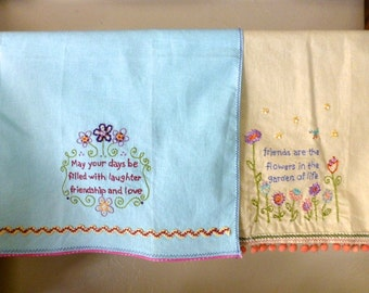 2 Embroidered Guest Towels With Friends Theme