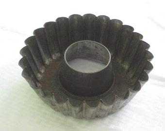 Vintage Tin Tart Pan Fluted Jello Mold