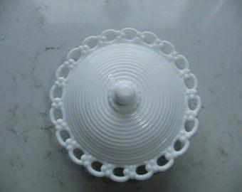 Vintage Swedish white glass bowl with lid - ring decorations - Lindshammar - Gunnar Ander