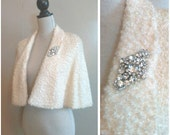 Shimmered in the Night 1950s Nubby Cream Lightweight Capelet with Rhinestone Brooch Detail