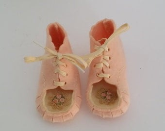 Vintage Pink and White Felt Baby Shoes with Flower Embellishment
