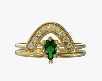 crescent ring and pear emerald wedding set