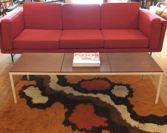 Early Florence Knoll T-Angle walnut coffee table / bench