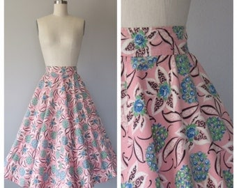 50s novelty print circle skirt size small to medium / full circle skirt / 50s floral skirt