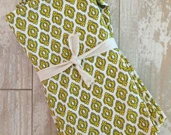 Vintage Gold Napkin Set - Monogrammed Napkins - Personalized Napkins - Cloth Napkins - Hostess Gift - Bridesmaid Gift - Birthday Gift