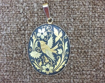 Vintage Damascene Gold-tone Inlay Oval Pendant / Engraved Hummingbird and Flowers