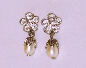 Vintage Rhinestone and Faux Pearl Earrings, pierced earrings silvertone flower earrings, drop earrings fashion jewelry, costume jewelry