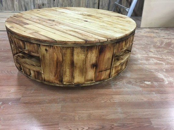 round pallet storage coffee table 40india. Black Bedroom Furniture Sets. Home Design Ideas