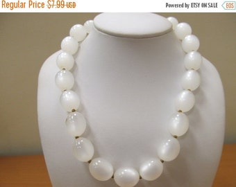 On Sale Vintage White Moon Beam Lucite Beaded Necklace Item K # 813