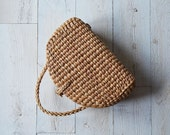 Handwoven seagrass basket// seagrass bag// Handwoven bag// picnic tote// market tote