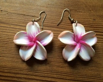 Hawaiian Flower earrings kitsch rockabilly pink and white Plumeria