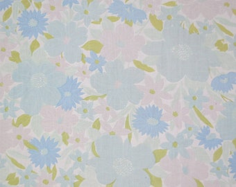 Vintage Sheet Fabric Fat Quarter - Muted Blue Floral - 1 FQ
