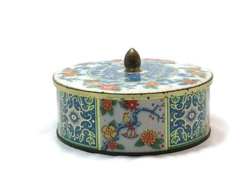 Tin Can with Lid - 60s Vintage -  Made in England - Daher Tin Can - Round Tin Can with Lid and Knob - Blue and White with Floral Motif