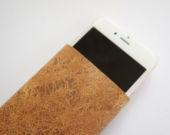 Reused Leather Scratch Brown - Smartphone Sleeve