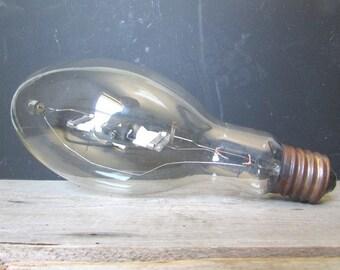 Hugh Vintage Lightbulb Industrial Design and Decor