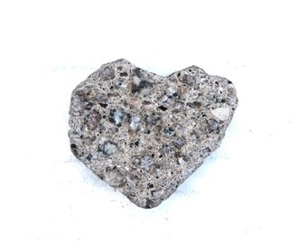 heart shaped beach pebbles rocks stones home decor craft tools jewelry supplies wall art trinkets (80)