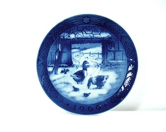 Vintage Royal Copenhagen Procelain Choosing In The Old Farmyard 1969 Christmas Collectible Plate