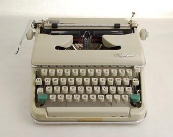 Cursive Typewriter, Olympia SM5, Script Font