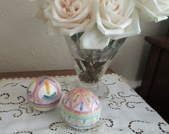 STORE WIDE SALE Vintage Italian Salt and Pepper Shakers - Pastel Pottery [B]