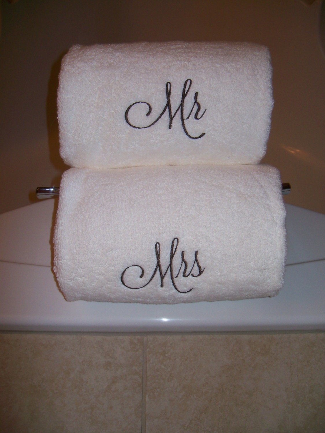 Mr and mrs embroidered luxury bath towels wedding gift for Mr and mrs spa