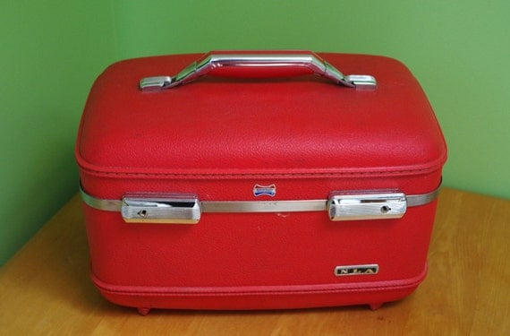 vintage american tourister luggage with vanity
