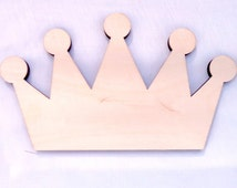Pointed Royal Crown Wood Shape in Unfinished Wood, Assorted Sizes