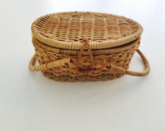 Vintage Wicker Picnic Sewing Basket