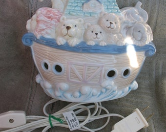 Noah's Ark Glazed Ceramic Night Light Electric Plug-In Lamp-perfect working condition