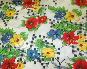tablecloth with secret pocket made from vintage material