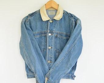 Short Cropped Denim Jacket Women's Small Khaki Collar Puffed out Back Wings Detail 1980's Era Women's vintage Jean Jacket